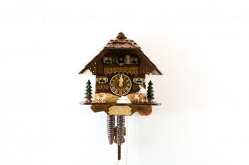 1 Tag-Werk Schwarzwaldhaus Kuckucksuhr mit Holzhacker