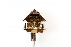 1-day Black Forest house cuckoo clock with wood chopper and dog