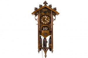8-day Railroad house cuckoo clock with delicate ornaments, music and dancers